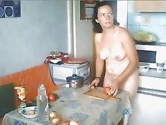Chubby Ex Girlfriend Likes to Cook naked