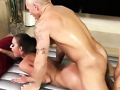 Breathtaking nuru massage for a fit guy