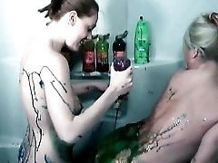 Big titty babes in the bathtub cover themsleves in paint