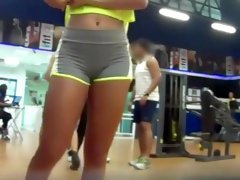 Pussy stretching in the gym