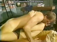 Bitchie brunette nympho gets pussy fucked after giving blowjob