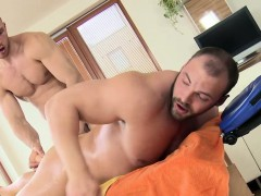 Straight amateur bear ass toyed