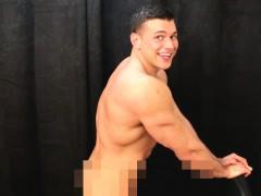 Muscular nude gogo dancing wanking