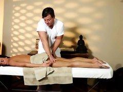 Mislead babe massage jizz