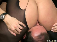 Incredibly beautiful brunette Simone Peach loves facesitting