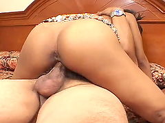 Indian bitch Dipti sucks a cock and gets her shaved cunt drilled hard