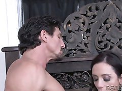 Tia Cyrus and Ariella Ferrera fuck hot guy Tommy Gunn in 3some