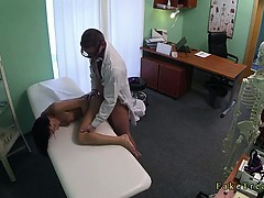 Doctor fucks brunette and cums on her pussy in hospital